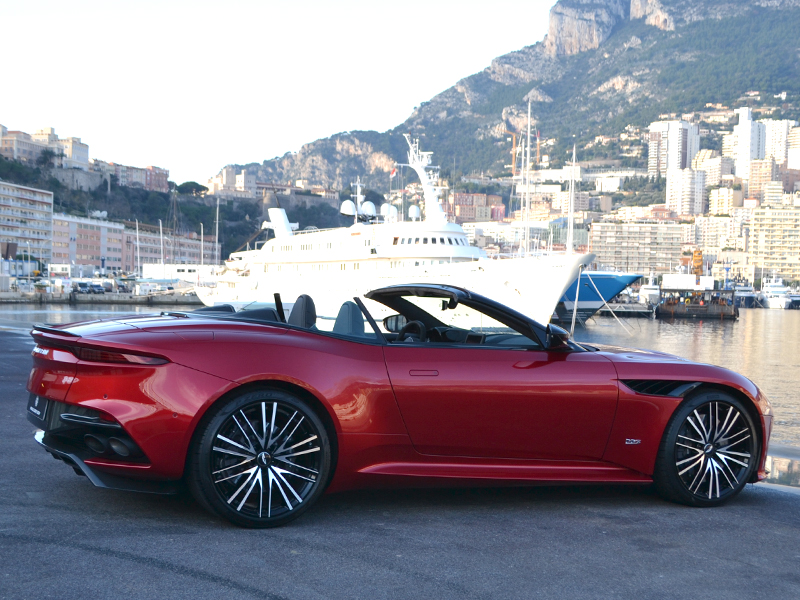 location véhicule DBS Superleggera Volante Aston Martin - Monaco Luxury Rent
