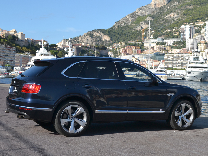 location véhicule Bentayga Bentley - Monaco Luxury Rent