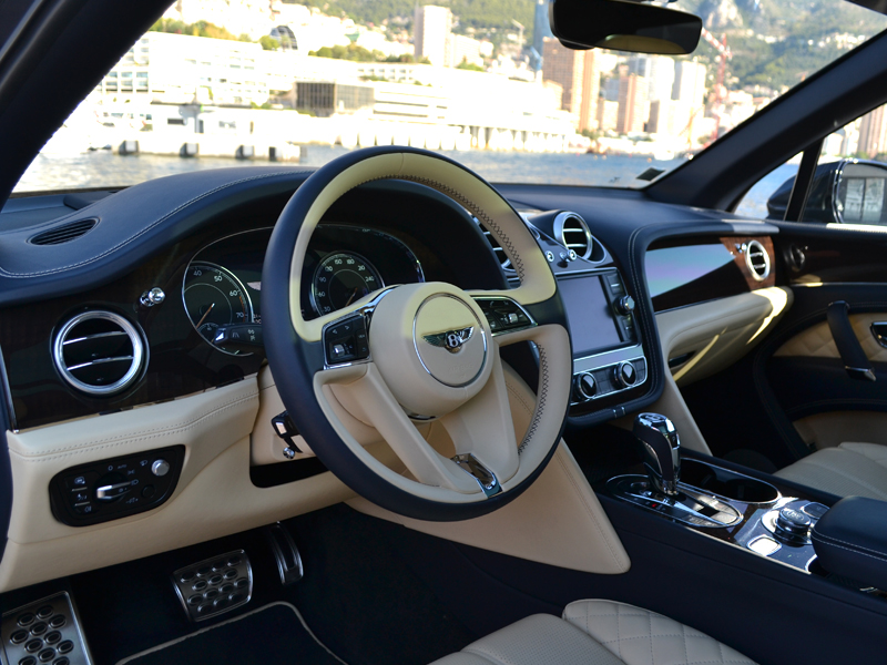 a louer Bentayga Bentley - Monaco Luxury Rent