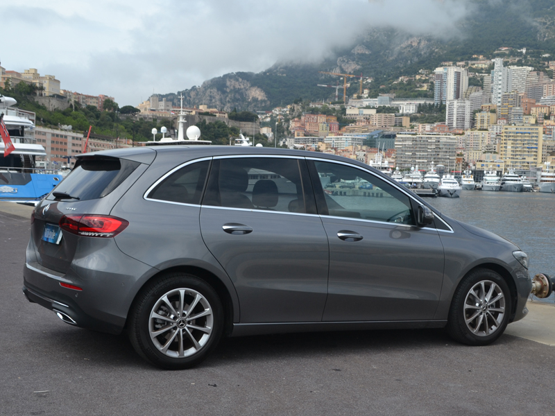 vehicle rental Classe B Mercedes-Benz - Monaco Luxury Rent