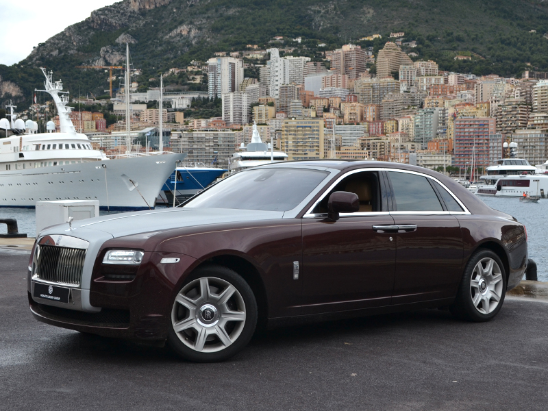for rent Ghost Rolls-Royce chez Monaco Luxury Rent